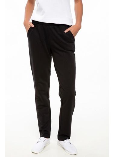 DeFacto Rahat Kesim Pantolon Siyah